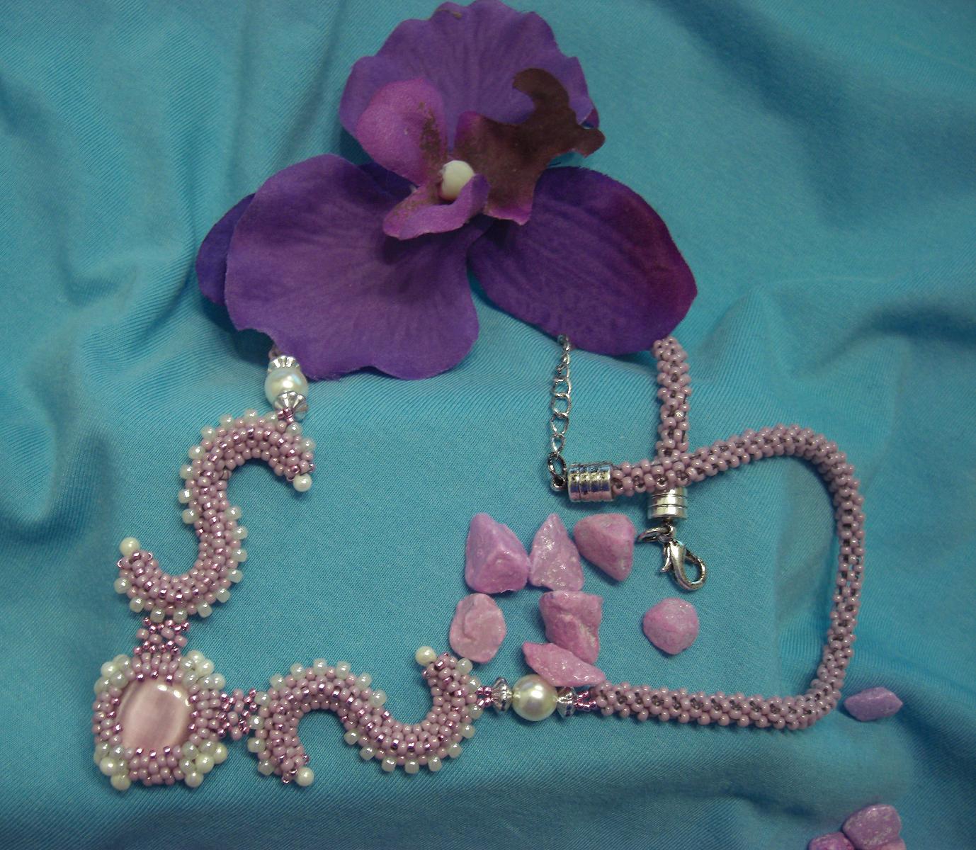 Curlicue Necklace